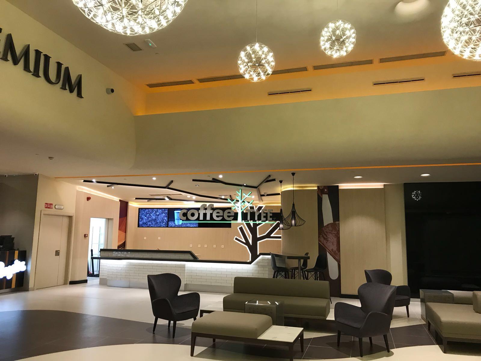 Opincan - Salas de cine Yelmo en el Centro Comercial Alisios 02