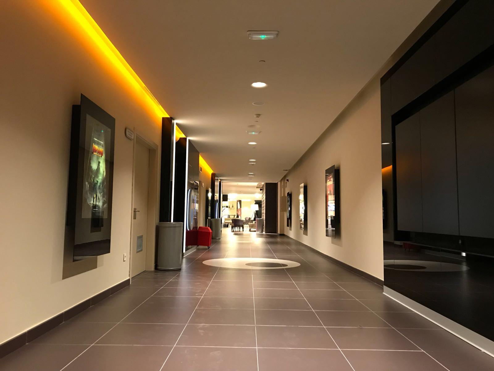 Opincan - Salas de cine Yelmo en el Centro Comercial Alisios 03