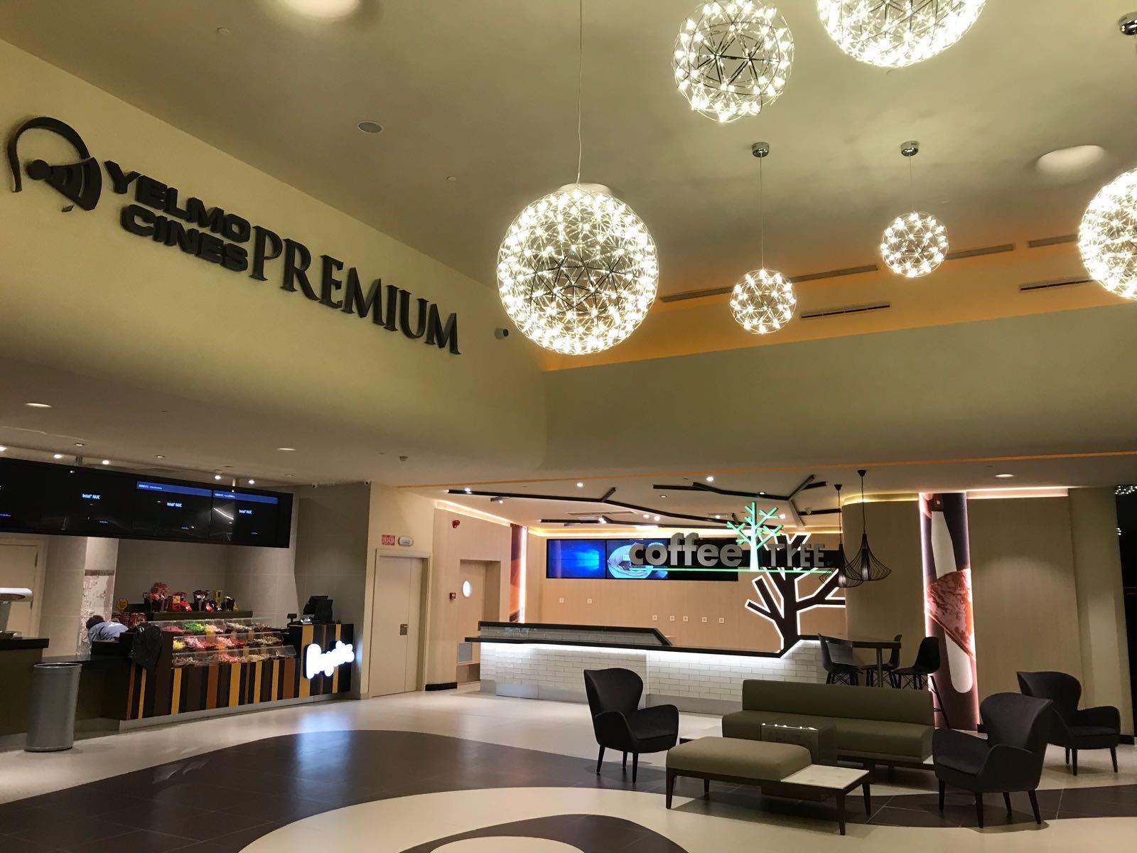 Opincan - Salas de cine Yelmo en el Centro Comercial Alisios 09