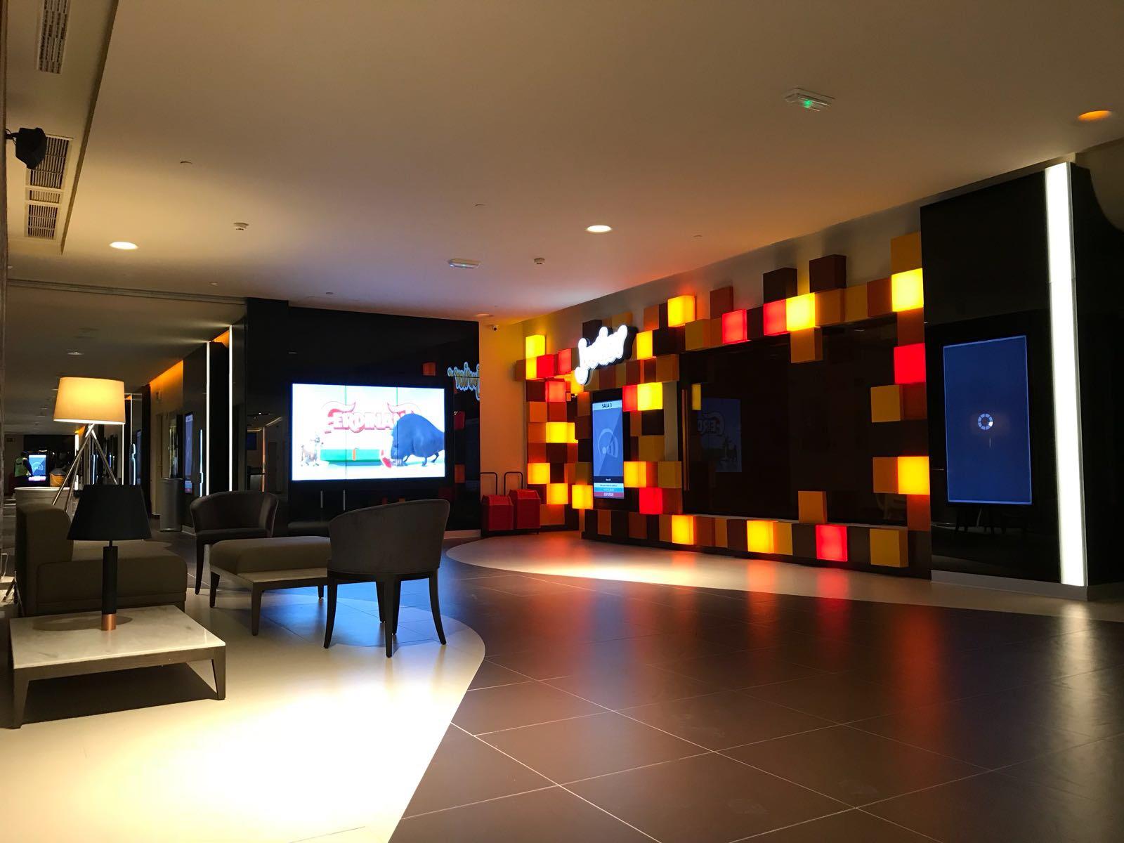 Opincan - Salas de cine Yelmo en el Centro Comercial Alisios 10