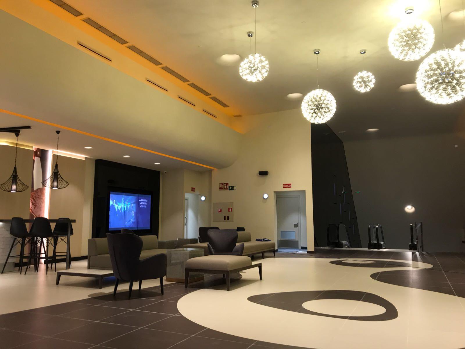 Opincan - Salas de cine Yelmo en el Centro Comercial Alisios 12
