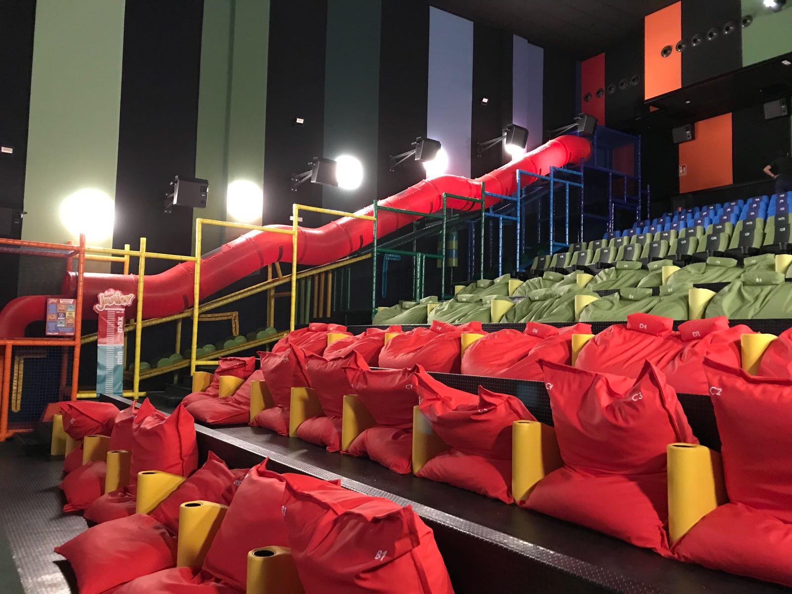 Opincan - Salas de cine Yelmo en el Centro Comercial Alisios 16