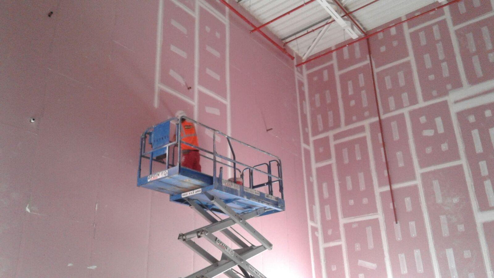 Opincan - Salas de cine Yelmo en el Centro Comercial Alisios - Obras 21