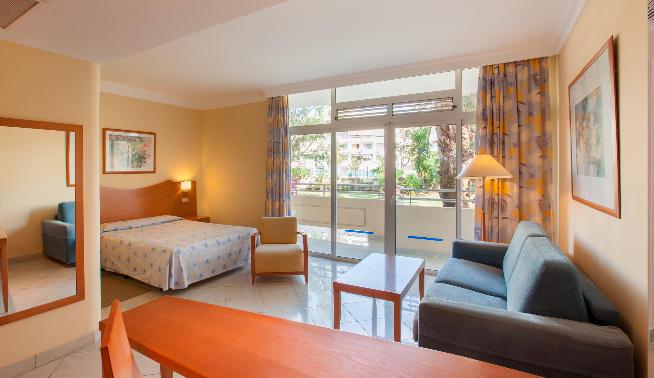 Abora Catarina, la mayor rehabilitación hotelera acometida en Playa del Inglés