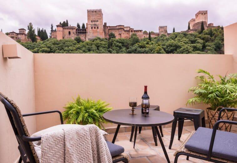 Apartamentos turísticos en calle Candil, Granada