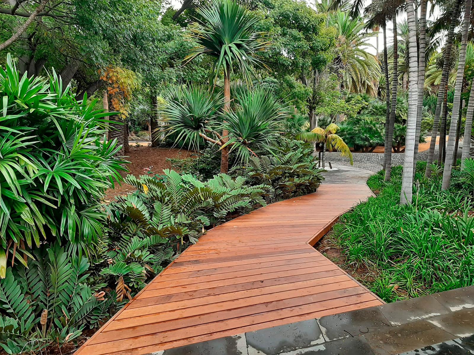 Rehabilitación de los paseos de madera del Parque García Sanabria